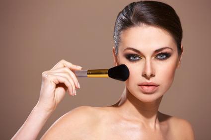 Inhalt des Artikels sind Schminktipps für das Porzellan-Make-up.