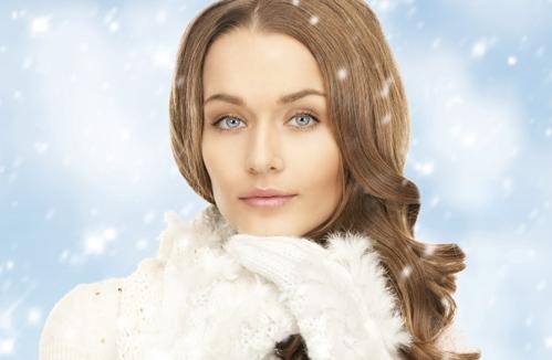 Artikelgebend sind Pflegetipps für das Hautbild im Winter.